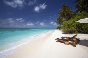 Plaja exotica cu nisip alb, Calatoreste cu Dragos